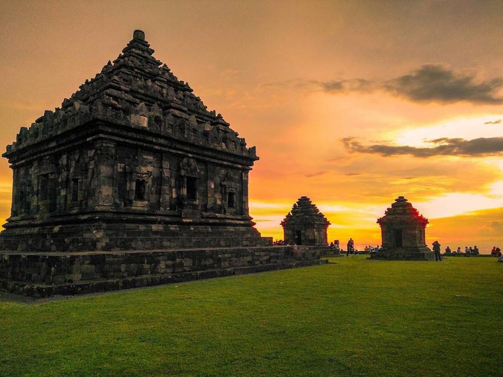 sunset-candi-ijo