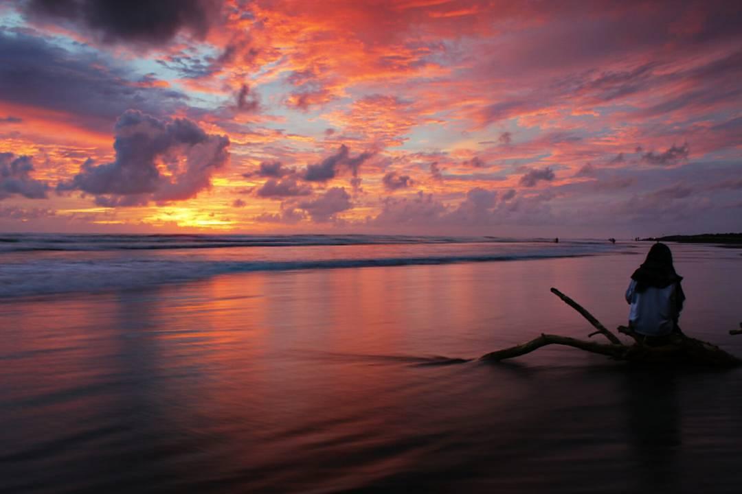 Pantai Parangndog